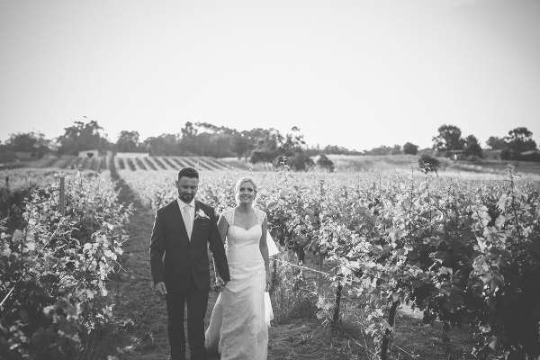 Albion-On-Swan-Rustic-Wedding-Couple-1
